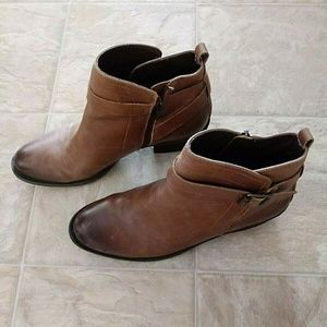 Womens Vince Camuto VP Beamer Brown Leather 10m